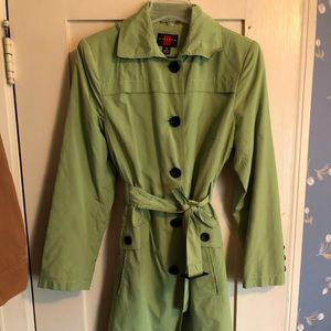 Gallery trench coat in green